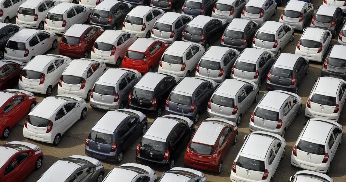 August is having the Worst Monthly Passenger Vehicles Sales Log