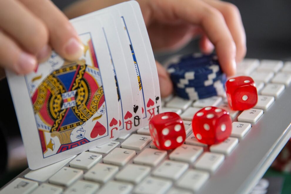 4 Eye-Catching Online Casino Games