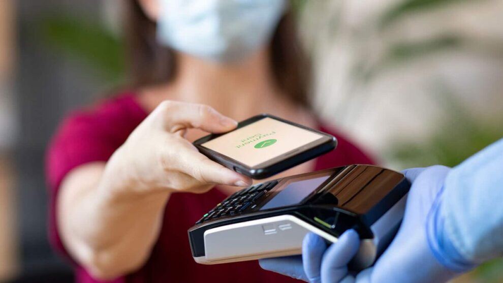 Why Your Healthcare Practice Should Implement Contactless Payments