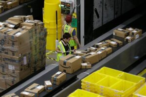 $500 Million To Be Spent By Amazon On Holiday Bonus For Workers