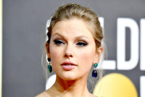 Fans Are Given A Sneak Peek By Talyor Swift By Rerecorded Hit Love Story In A New Ad