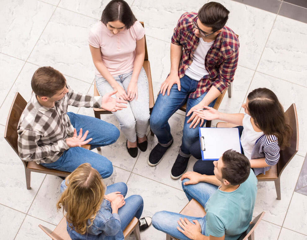 Pros and Cons of Group Psychotherapy