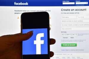 Facebook Courier Update Makes it Simpler to Deal with Undesirable Messages