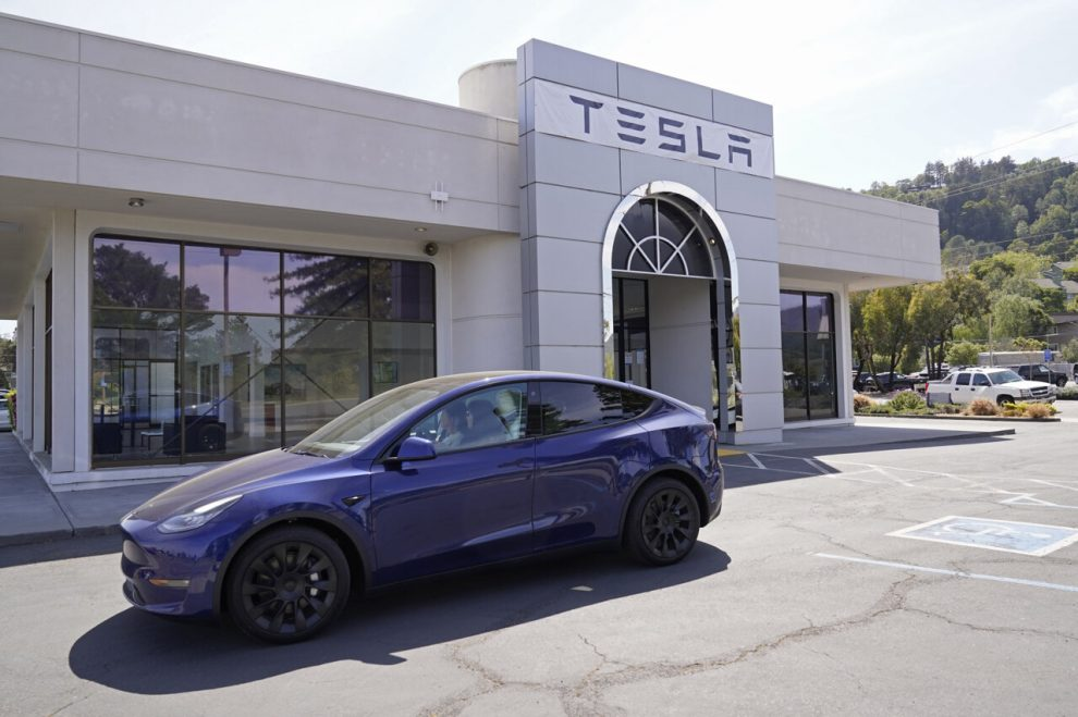 Is the California government against Tesla Self driving claims? What is the fact behind it?