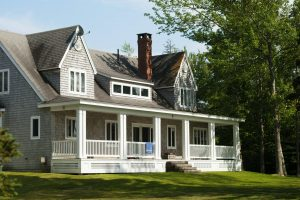Refinancing vs. Home Equity Loan: Which One Is Right For You?